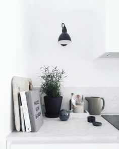 Via Lea Bo | Minimal Kitchen | Black White Grey | Sinnerlig Est Living @estemag #estliving #estdesigndirectory