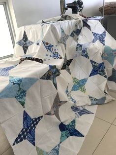 The Art of Living Star Quilt Blocks, Star Quilt Patterns, Star Quilts, Easy Quilts, Two Color Quilts, Blue Quilts, King Size Quilt, Contemporary Quilts, Periwinkle Blue