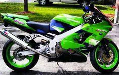 Kawasaki Ninja ZX-9R - ohhhhh baby what I'd do to own you!