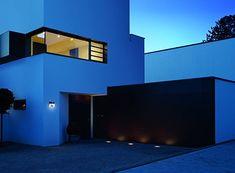 LED Solarleuchten mit Erdspieß im 2er Set Dämmerungssensor Terrassenbeleuchtung