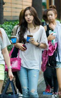 Naeun outfits