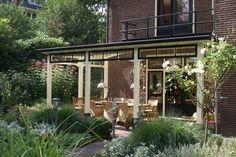 Mooie rand voor veranda (contrasterende kleuren) van Niekroos.nl