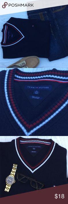 Tommy Hilfiger Men's Navy V-Neck Sweater Size XL. Tommy Hilfiger Men's Long Sleeve Navy Pima Cotton V-Neck Sweater Size XL. Pre-owned in EXCELLENT Condition: Pullover Size XL. Has Tommy Hilfiger Flag. Tommy Hilfiger Sweaters V-Neck