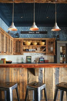 Rustic Bar Design Ideas, Pictures, Remodel and Decor Wood Kitchen Cabinets, Kitchen Dining, Kitchen Counters, Dining Room, Reclaimed Wood Kitchen, Rustic Kitchen Design, Rustic Kitchens, Open Kitchens, Rustic Design