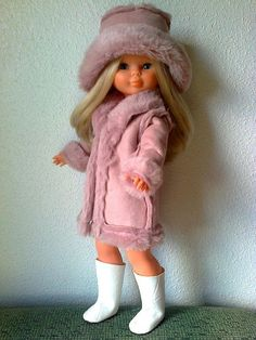 NAncy Doll in pink American Girl Crafts, American Girl Clothes, Child Doll, Girl Dolls, Reborn Dolls, Blythe Dolls, Vintage Dolls, Antique Dolls, Vestidos Nancy