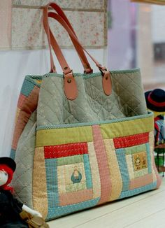 ... Fabric Bags, Patchwork Bags, Quilted Bag, Handmade Handbags, Handmade Bags, Craft Bags, Diy Bags, Japanese Bag, Bolsas Bags