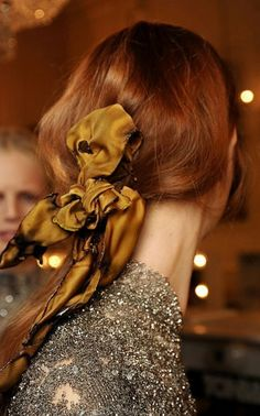 Backstage at Giles Fall/Winter 2012 RTW during London Fashion Week. Moda Formal, Estilo Fashion, Party Hairstyles, Looks Cool, Mode Style, Hair Dos, Cut And Color, Her Hair, Redheads