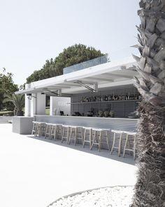 pool bar at the bay hotel in Zakynthos, Greece by eDje architects - Pool Bar, Beach Club, Restaurant Design, Restaurant Bar, Marina Bar, Cabana, Piscina Hotel, Ex Hacienda, Hotel Pool