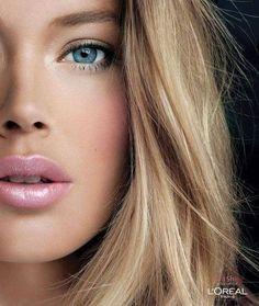 natural makeup with pink lips