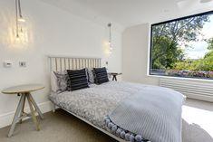 Minimal Bedroom, Window Sizes, Aluminium Windows, Casement Windows, Window Design, Sliding Doors, Minimalism, House Design, Modern