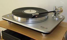 High End Audio Equipment For Sale Audiophile Turntable, Hifi Stereo, Hifi Audio, Equipment For Sale, Audio Equipment, The Absolute Sound, Big Speakers, Vinyl Record Player, High End Audio