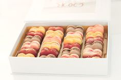 Parisian chef Eddy Rocq created a special Sweetheart Collection of macaron cookies. Valentines Day Treats, Happy Valentines Day, Yummy Treats, Sweet Treats, Yummy Food, Macaron Flavors, French Macaroons, Martha Stewart Weddings, Food Inspiration