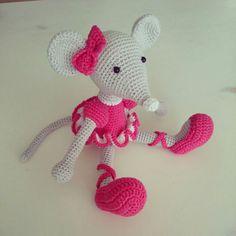 Amigurumi Ballerina Mouse : 1000+ images about ratitas on Pinterest Toys, Patrones ...