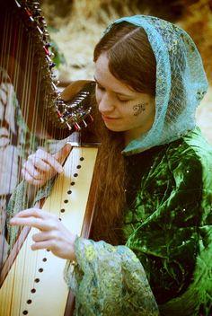 music medieval harp