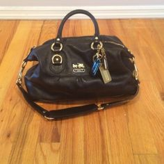 Black coach bag Black coach bag with gold hardware hardly used Coach Bags