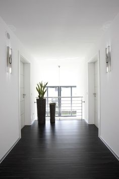A HOME TO FEEL GOOD - freely planned customer house: modern hallway, hallway & staircase from FingerHaus GmbH Bright Hallway, Modern Hallway, Modern Interior Design, Interior And Exterior, Balcony Furniture, Balcony Design, House Goals, My Dream Home, Home Deco