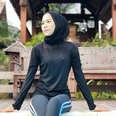 screenshot gallery of hottest popular celebrities Beautiful Hijab Girl, Beautiful Muslim Women, Hijabi Girl, Girl Hijab, Modern Hijab Fashion, Muslim Fashion, Video Hijab, Arab Girls Hijab, Indonesian Girls