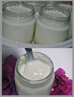 Ingredientes: 1 Litro De Leche Semi ó Entera 1 Griego Natural Preparación: Se baten los dos ingredientes en la batidora, se ...