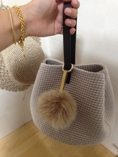 Knitting Studio : 네이버 블로그 - Her Crochet Crochet Hobo Bag, Crochet Handbags, Crochet Purses, Crochet Gifts, Diy Crochet, Diy Bags Purses, Yarn Bag, Craft Bags, Knitted Bags