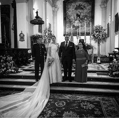 Si quieres una boda perfecta, si te preocupas por el bienestar de tus invitados, si entiendes que si eres el protagonista no puedes ser el organizador, si quieres disfrutar de tu día como un invitado más y si quieres que contemos tu historia de amor...¡escríbenos!  LOVE  #love #amor #happy #feliz #inlove #paradores #wedding #weddingplanner #Cádiz #sol #sunset #boda #bodasbonitas #bodasunicas #deco #decor #handmade #instagood #instadaily #selfie #family #familia #inspiration