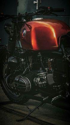 Bmw Motorcycles, Vintage Motorcycles, Custom Motorcycles, Custom Bikes, Retro Motorcycle, Motorcycle Design, Cafe Racer Tank, Bmw Motors, Bmw Scrambler