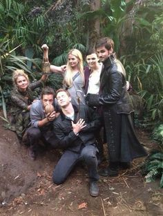 Colin O'Donoghue Jennifer Morrison Michael Raymond-James Josh Dallas  Rose McIver Ginnifer Goodwin Funny Photos
