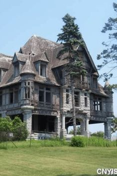 #oldhouses #mansion #abandoned CLICK PIC FOR MORE PHOTOS OF THIS 1895 Carleton Island Villa For Sale In Cape Vincent New York