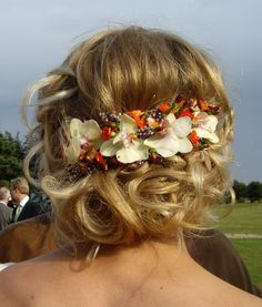 wedding hair with flowers by Elisabeth Bønløkke maybe for my bride's maids ... maybe an up-do for half up half down