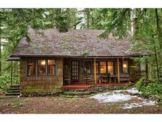 Cottage In The Woods, Cabins In The Woods, House In The Woods, Old Cabins, Cabins And Cottages, Stone Cabin, Small Cabin Plans, Porche, Cozy Cabin