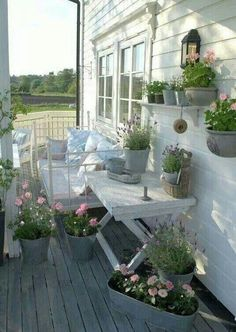 Awesome Shabby Chic Porch Decorating Ideas Because it doesn't enable your porch enough, you should decorate it beautifully. It isn't challenging to Awesome Shabby Chic Porch Decorating Ideas Shabby Chic Veranda, Shabby Chic Porch, Outdoor Rooms, Outdoor Gardens, Outdoor Living, Outdoor Decor, Outdoor Patios, Outdoor Kitchens, Outdoor Ideas