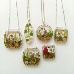 Resin Jewlery, Resin Jewelry Making, Resin Necklace, Earrings, Diy Resin Projects, Diy Resin Crafts, Magical Jewelry, Resin Flowers, Resin Pendant