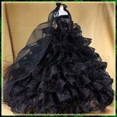 Very pretty gown. Love the shape of this dress. My Big Fat Gypsy Wedding goes over to the dark side! Gypsy Wedding Gowns, My Big Fat Gypsy Wedding, Gipsy Wedding, Ball Gown Dresses, Puffy Dresses, American Gypsy, Unusual Wedding Dresses, Gypsy Girls, Gypsy Dresses