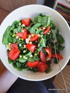 Caprese Salad, Kale, Vegan, Ethnic Recipes, Food, Collard Greens, Essen, Meals, Cauliflowers