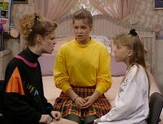 dj tanner outfit fashion 9 Super D. Tanner Outfits From Full House That Were Fashion Forward At The Time Stephanie Tanner, Witty One Liners, Candace Cameron Bure, Living Under A Rock, 90s Fashion, Decades Fashion, Fashion Movies, Fashion Videos, Celebrities Fashion