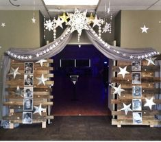 Prom Theme: Shining Stars Decorations: by Lynette Harper & Lindsay Swearingen - Daily Good Pin 8th Grade Graduation, Graduation Theme, Graduation Decorations, Star Decorations, School Dance Decorations, Graduation Ideas, Dance Themes, Prom Themes, Sweet 16 Parties