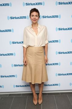 Pin for Later: These Dresses Are Good, but the Accessories Are Better Maggie Gyllenhaal Maggie Gyllenhaal at SiriusXM Studios.