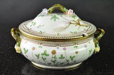 Rare 1954 ROYAL COPENHAGEN Flora Danica Large Oval Soup Tureen #17572 #RoyalCopenhagen