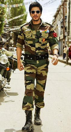 Shahrukh Khan plays dashing army officer in Yash Chopra's untitled next!