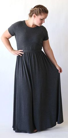Raglan Maxi Dress Tutorial | This free sewing tutorial is comfy, cute, and super stylish!