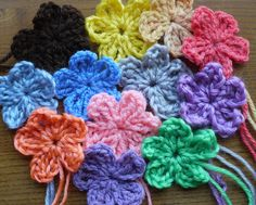 36 crochet flowers crafts scrapbook card making embellishments