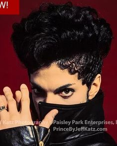 Purple Rain Movie, Prince Purple Rain, Prince Images, Pictures Of Prince, Vintage Black Glamour, Handsome Prince, Roger Nelson, Prince Rogers Nelson, Pretty Men