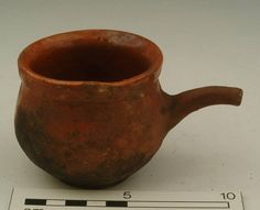 Accession number: 11133 Production date: 1581-1700 Material: ceramic; earthenware Measurements: H 75 mm; W 120 mm Museum Section: Post-Medieval Summary: Post-Medieval fine redware pipkin with sooting on the base. Internal lead glaze, with pouring rim.