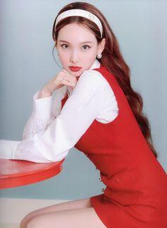 Kpop Girl Groups, Korean Girl Groups, Kpop Girls, Chaeyoung Twice, Nayeon Twice, Twice Kpop, Im Nayeon, Kpop Outfits, Glamour