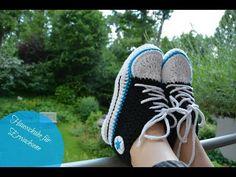 & Instrucciones, Mis manualidades y proyectos de bricolaje The post Zapatillas. Chucks crochet para adultos appeared first on Crystal Wilson. Crochet Converse, Crochet Shoes, Crochet Baby Booties, Crochet Slippers, Converse Slippers, Crochet Ripple, Patterned Socks, Slipper Socks, Crochet Videos