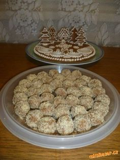 Margotkové kuličky Polish Recipes, Russian Recipes, Cereal, Rum, Cookies, Breakfast, Food, Crack Crackers, Morning Coffee