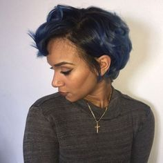 Bob hairstyles can be so versatile that many women opt with this hairstyle gradually. In this post you will find Really Beautiful Bob Hairstyles for Black Women Black Women Short Hairstyles, Short Hair Cuts, Pixie Cuts, Short African American Hairstyles, Hair Colorful, Curly Hair Styles, Natural Hair Styles, Look Dark, Bob Hairstyles
