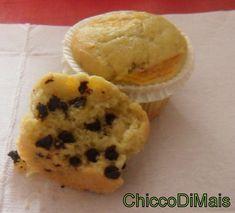 Muffin alla pesca con gocce di cioccolato  http://blog.giallozafferano.it/ilchiccodimais/muffin-alla-pesca-con-gocce-di-cioccolato/