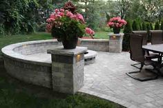 Led lights for sitting wall. LED Retaining Wall Lights by Nox Lighting are extremely versatile landscape lighting fixtures. Back Patio, Backyard Patio, Backyard Landscaping, Landscaping Ideas, Landscaping Software, Modern Landscaping, Landscaping Melbourne, Diy Patio, Nice Backyard