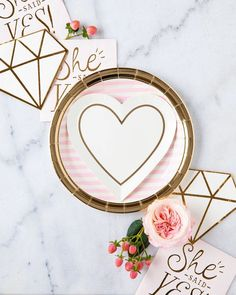 DIAMOND SHAPED BRIDAL PARTY NAPKINS Diamonds are a girl's best friend, but if we are being real so is champagne. That's what makes these die-cut cocktail napkins the perfect addition to your bridal bash! They are perfect as makeshift coasters for celebratory champagne, or a slice of cake will look elegant and keeps the party clean. However you choose to celebrate the bride to be, make sure to set the table with these gems!Is it party time? With gold foil these elegant napkins can be used for a v Bridal Shower Banner Diy, Shower Banners, Bridal Shower Decorations, Wedding Decorations, Party Napkins, Cocktail Napkins, Push Pop Confetti, Etsy Coupon Code, Gold Paper
