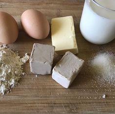 Udělejte si domácí droždí. Takové dělaly naše babičky – magnilo Kefir, Dairy, Food And Drink, Bread, Cheese, Homemade, Dishes, Buns, Basket